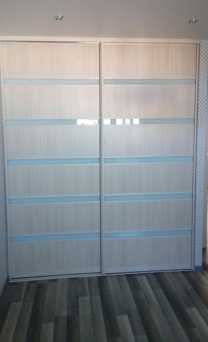Встроенные шкафы-купе-Шкаф-купе из ЛДСП «Модель 23»-фото1