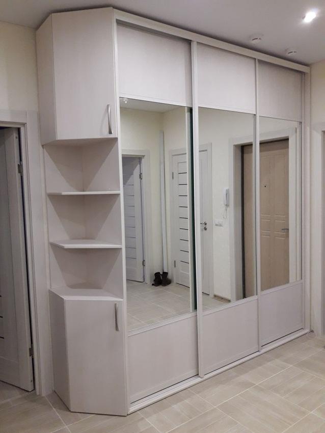 Белые шкафы-купе-Шкаф-купе с зеркалом «Модель 239»-фото1